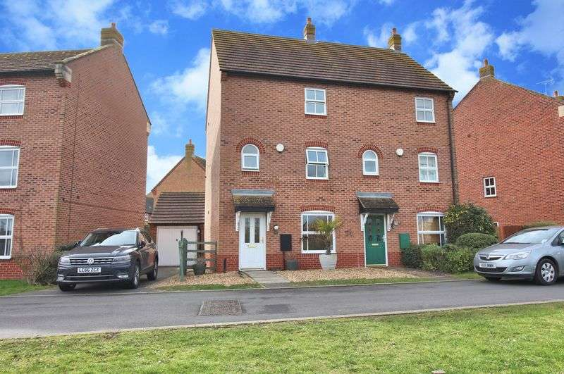 3 Bedrooms House for sale in East Water Crescent, Peterborough