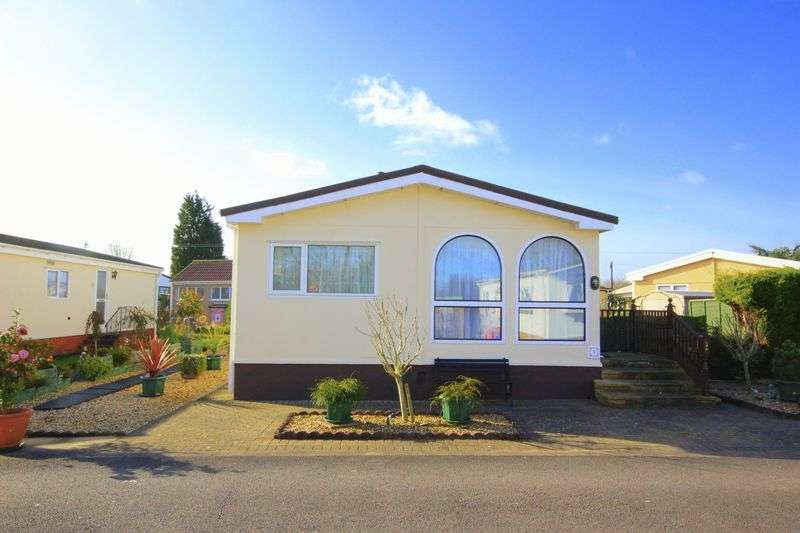 2 Bedrooms Detached Bungalow for sale in Hi Ways Park, Bristol