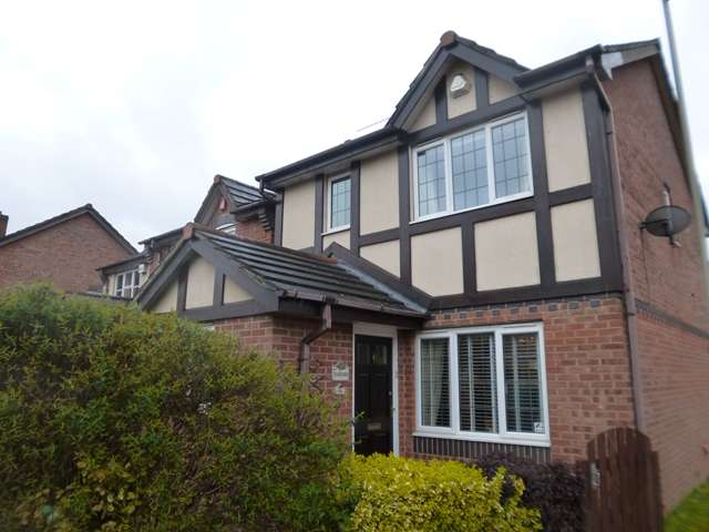 3 Bedrooms Detached House for sale in St Davids Road, Leicester, LE3 6TY