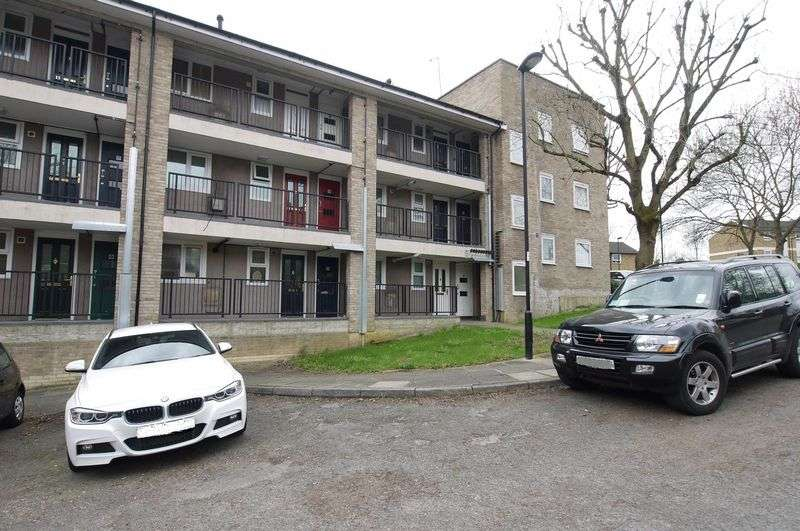1 Bedroom Flat for sale in Manesty Court, London