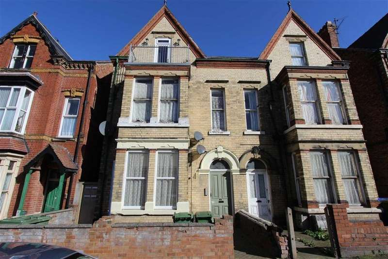 1 Bedroom Block Of Apartments Flat for sale in Tennyson Avenue, Bridlington, YO15