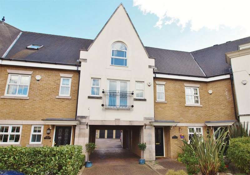 2 Bedrooms Flat for sale in Whitstone Lane, Langley Waterside, Beckenham