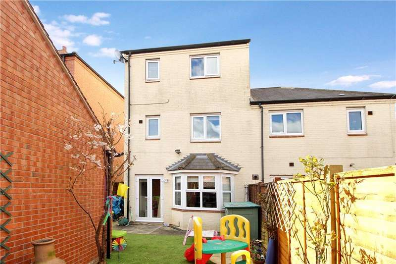 4 Bedrooms Semi Detached House for sale in Wordsworth Avenue, Stratford-upon-Avon, CV37