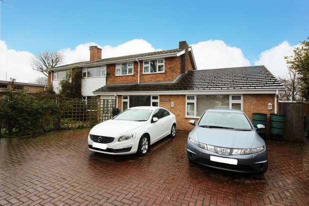 6 Bedrooms Detached House for sale in Churchill Road, Louth, Lincolnshire, LN11 7QS