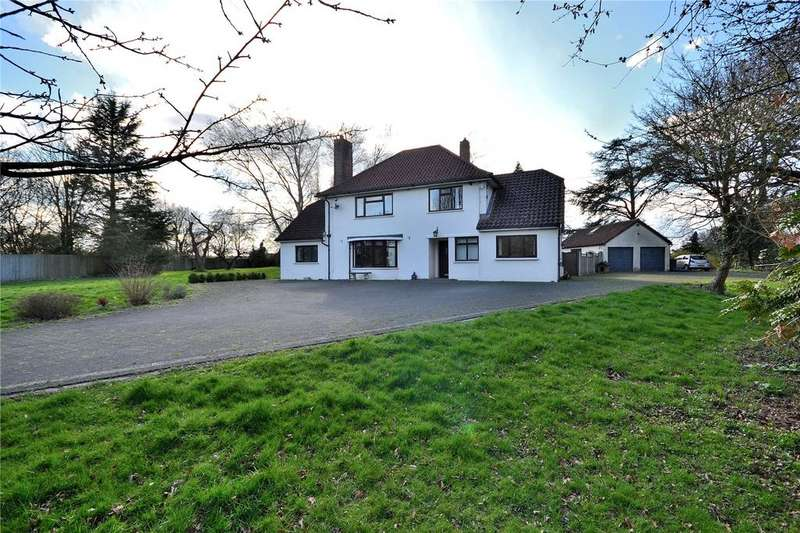 5 Bedrooms Detached House for sale in Deadmans Lane, Chelmsford, Essex