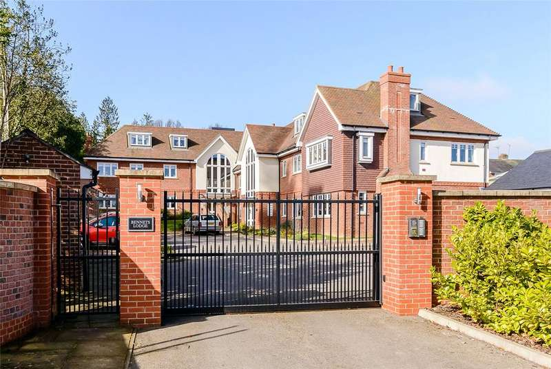2 Bedrooms Flat for sale in Bennets Lodge, 21A Leyton Road, Harpenden, Hertfordshire