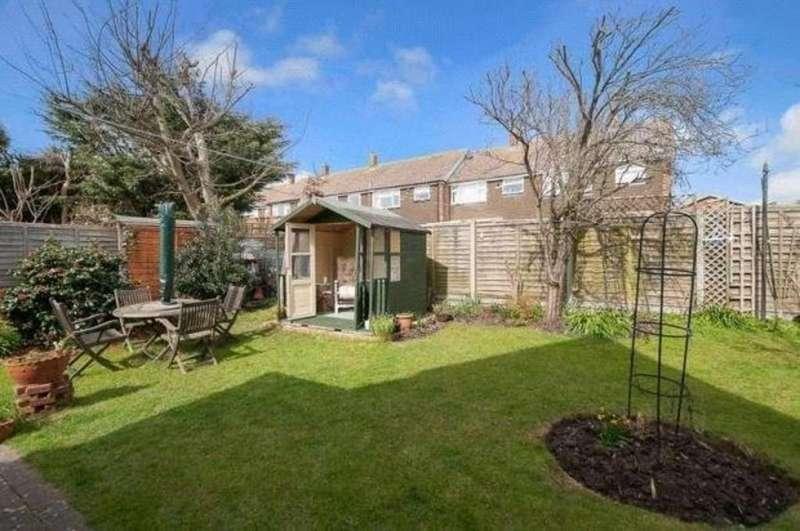 3 Bedrooms Detached House for sale in Langdale Close, Sompting, Lancing BN15 9SD