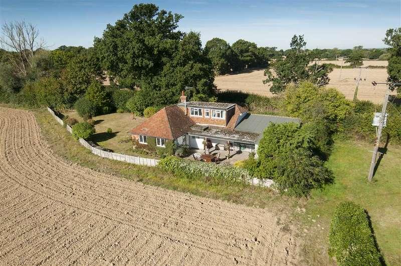 4 Bedrooms Detached Bungalow for sale in Buckman Green Cottage, Romden Road, Smarden