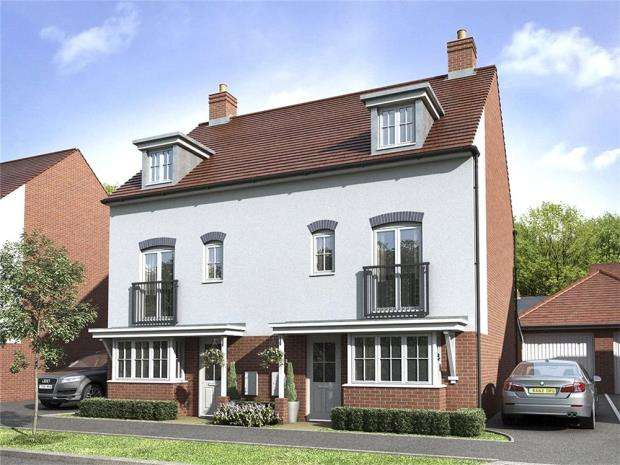 4 Bedrooms Semi Detached House for sale in Kingley Gate, Worthing Road, Littlehampton, West Sussex, BN17