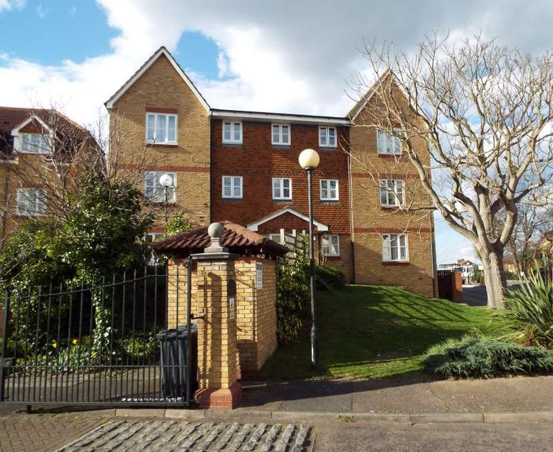 1 Bedroom Flat for sale in Highgrove Mews, Grays, Essex, RM17 6XD