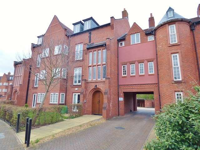 2 Bedrooms Flat for sale in Butts Green, Westbrook, Warrington