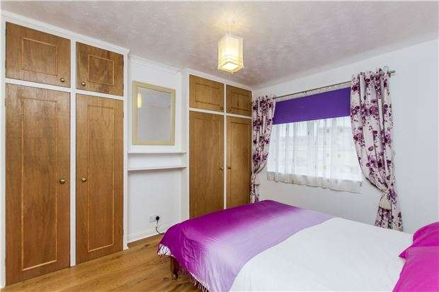 3 Bedrooms Semi Detached House for sale in Hampden Road, Oxford, OX4 3LW