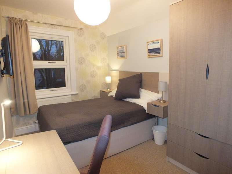 1 Bedroom House for rent in Waverley Road, Reading, Berkshire