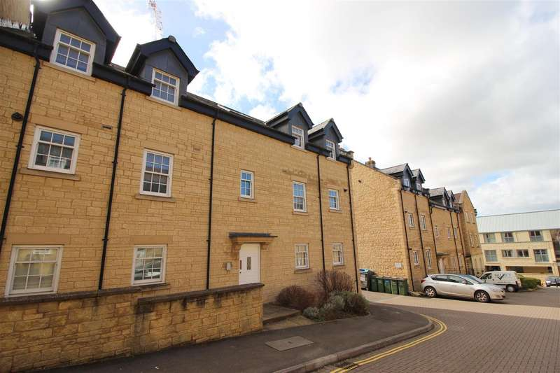 2 Bedrooms Property for sale in Louise Rayner Place, Chippenham