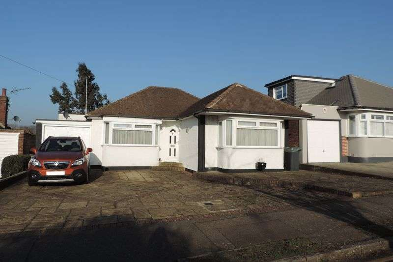2 Bedrooms Detached Bungalow for sale in The Byway, Potters Bar