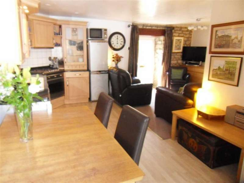 2 Bedrooms Cottage House for sale in Wellgarth Court, Masham