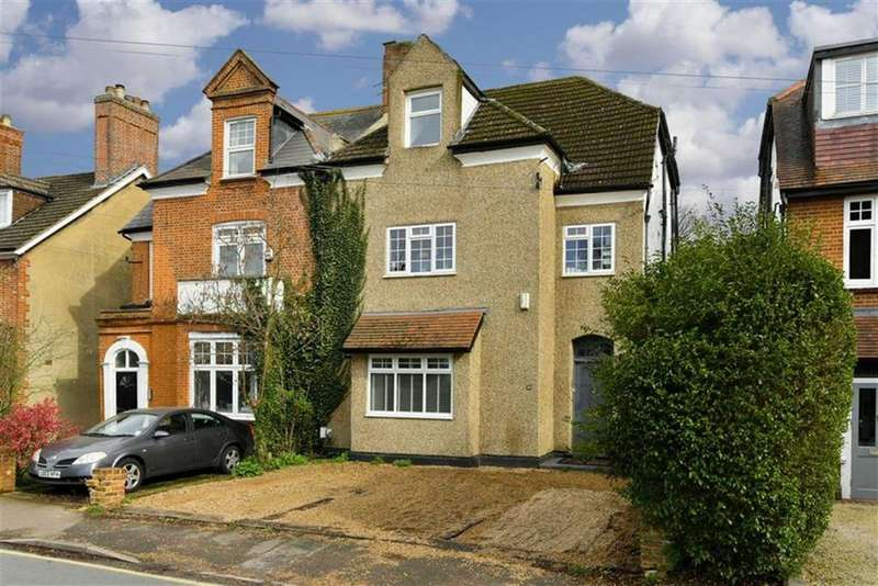 1 Bedroom Flat for sale in Worple Road, Epsom, Surrey