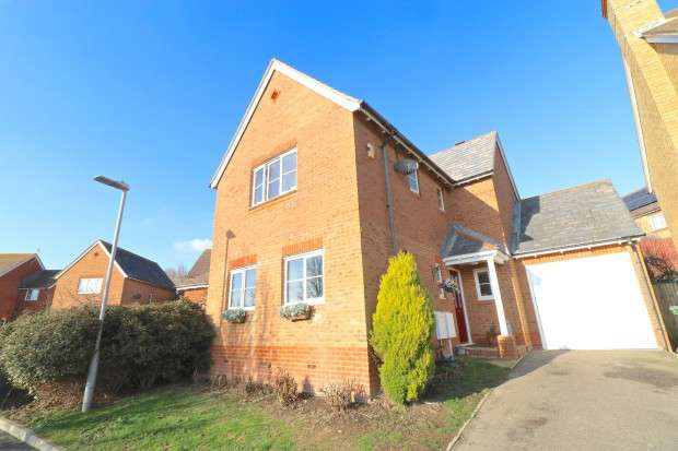 3 Bedrooms Detached House for sale in Meadowsweet Close, St. Leonards-on-Sea, TN38