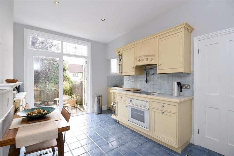 2 Bedrooms Flat for sale in Glencairn Road, Streatham, SW16