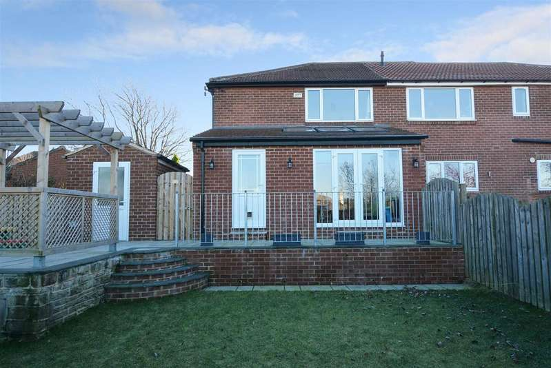 4 Bedrooms Semi Detached House for sale in Carr Hill Avenue, Calverley