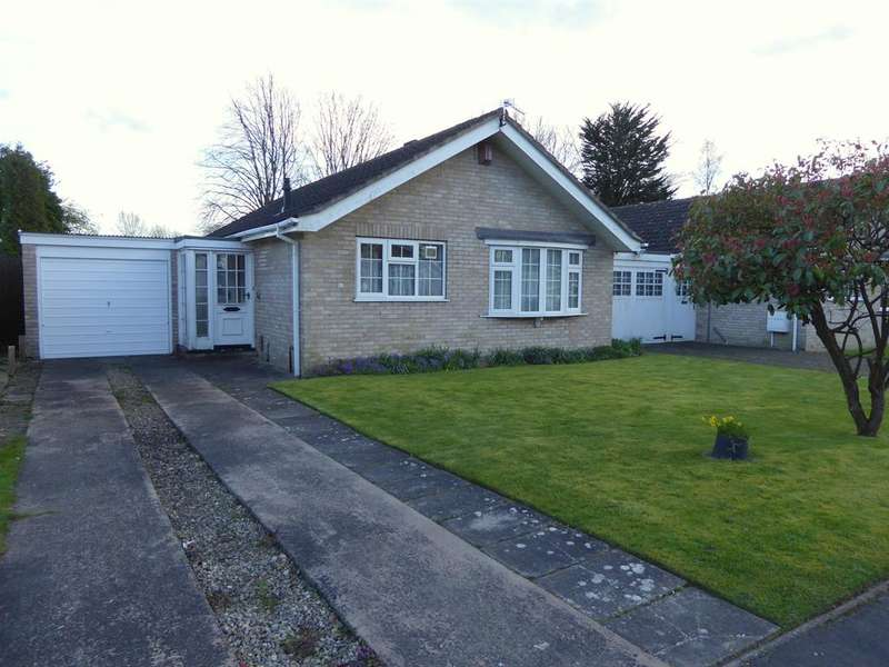 2 Bedrooms Bungalow for sale in Ryecroft Avenue, York, YO24 2SD