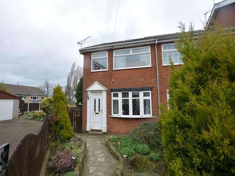 4 Bedrooms Terraced House for sale in Newlay Lane Place, Bramley, Leeds, West Yorkshire