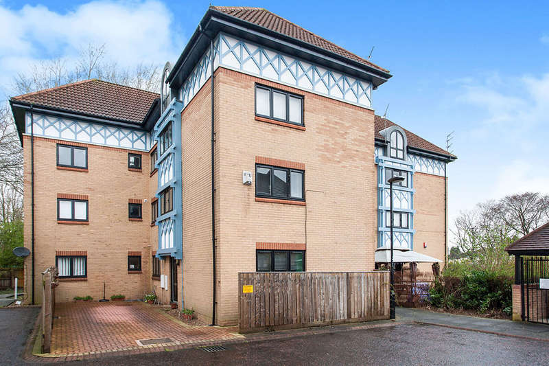 2 Bedrooms Flat for sale in Witton Court, Newcastle Upon Tyne, NE3