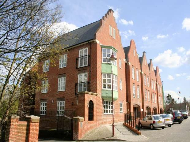 2 Bedrooms Flat for sale in Watling Mansions, Radlett