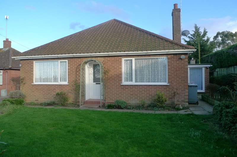 3 Bedrooms Detached Bungalow for sale in Church Road, Upton, Norwich, NR13