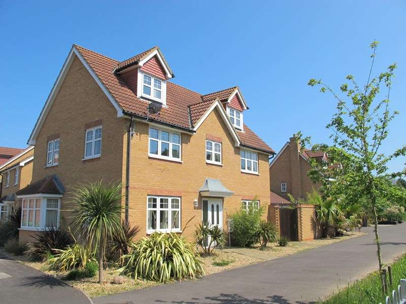 5 Bedrooms Detached House for sale in Westland Drive, LEE-ON-THE-SOLENT