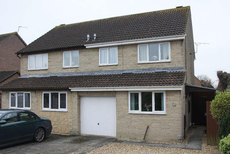3 Bedrooms Semi Detached House for sale in Wellesley Close, Bowerhill, Melksham