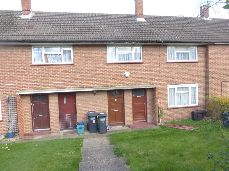 3 Bedrooms Terraced House for sale in Brockham Crescent, New Addington, Croydon, CR0 0PP