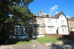 1 Bedroom Flat for sale in Croydon Road, London