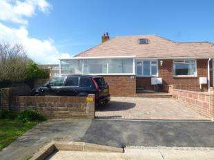 2 Bedrooms Bungalow for sale in Cairo Avenue, Telscombe Cliffs, Peacehaven, East Sussex