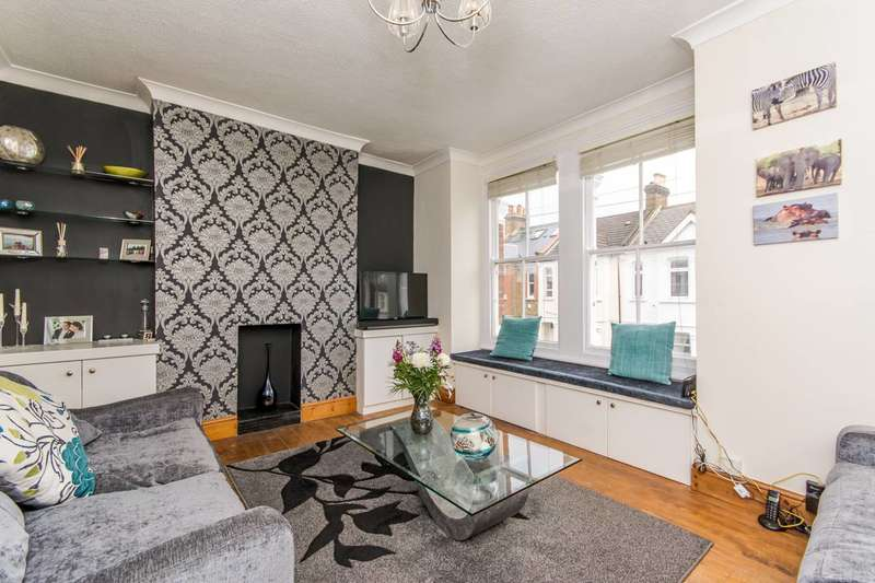 2 Bedrooms Flat for sale in Hiley Road, Kensal Green, NW10