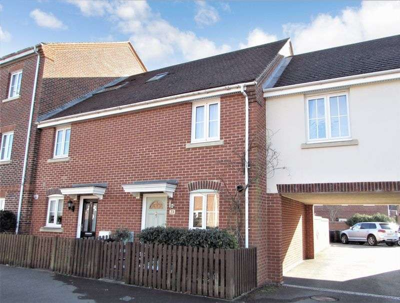 2 Bedrooms House for sale in Urquhart Road, Thatcham
