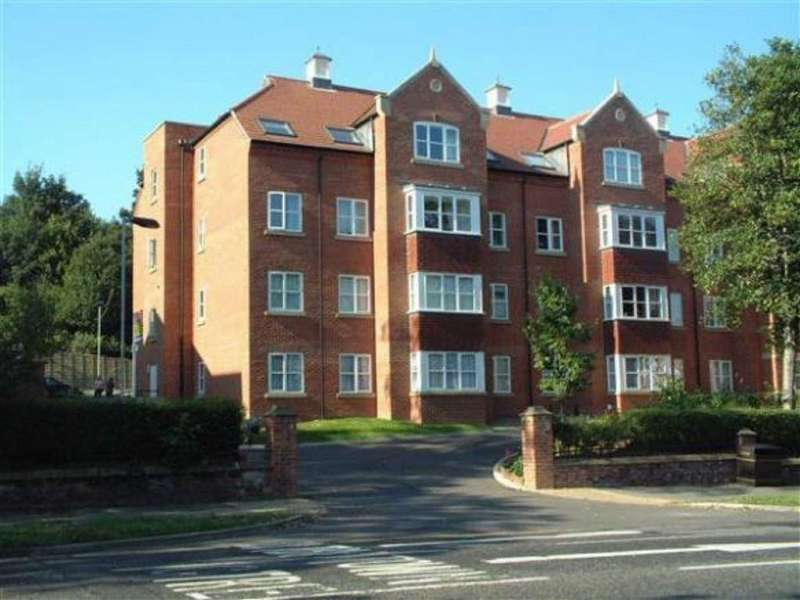 2 Bedrooms Apartment Flat for sale in 23 Filey Road, Scarborough, North Yorkshire