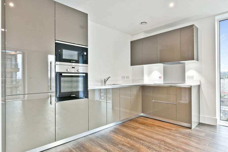 2 Bedrooms Apartment Flat for sale in Compton House, Victory Parade, Plumstead Road, SE18
