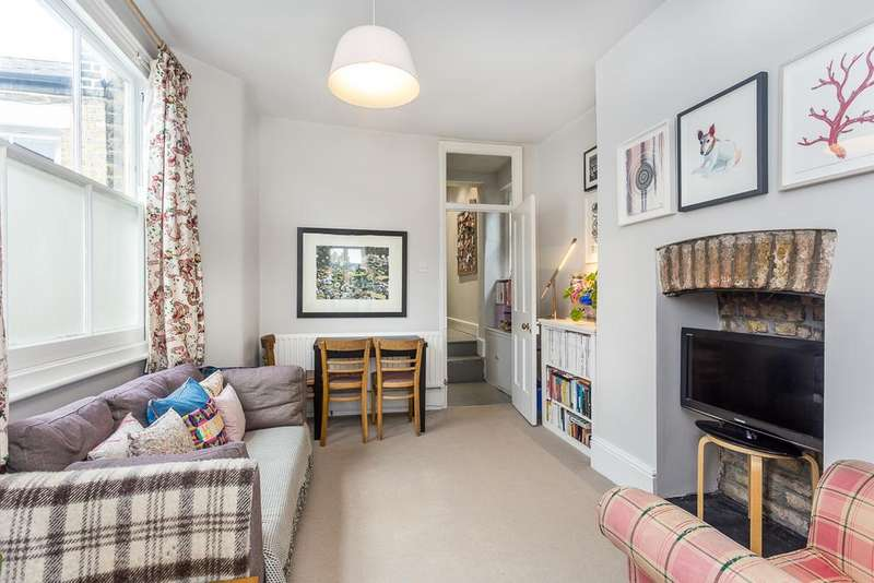 2 Bedrooms Flat for sale in Percy Road, London W12