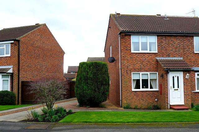 2 Bedrooms Semi Detached House for sale in Burdon Close, Stockton-On-Tees, TS19