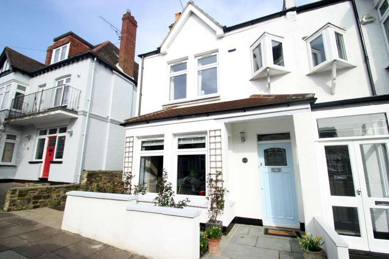 4 Bedrooms Semi Detached House for sale in Beach Avenue, Leigh-On-Sea
