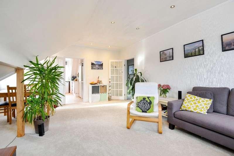 2 Bedrooms Flat for sale in Glenluce Road London SE3