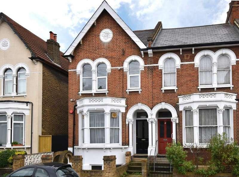 1 Bedroom Flat for sale in Algernon Road SE13