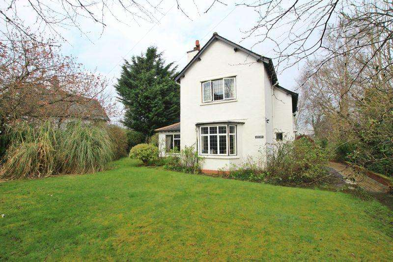 4 Bedrooms Detached House for sale in Siliwen Road, Bangor