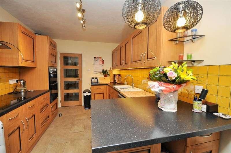 4 Bedrooms Semi Detached Bungalow for sale in Elm Tree Avenue, Upper Poppleton, York