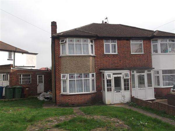 3 Bedrooms Semi Detached House for sale in Collins Avenue, Stanmore