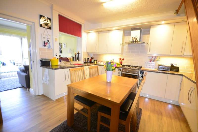 3 Bedrooms Property for sale in Elsie Street, Farnworth, Bolton, BL4