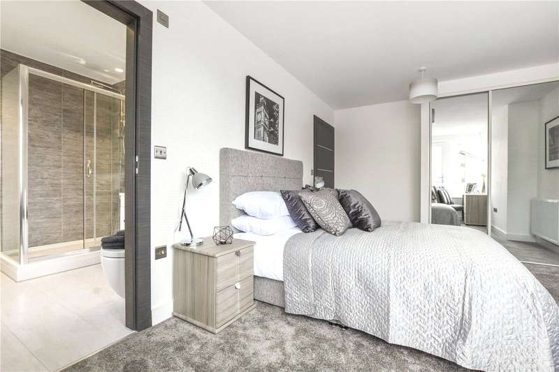 2 Bedrooms Flat for sale in 7 Huntley Close, London, SE10