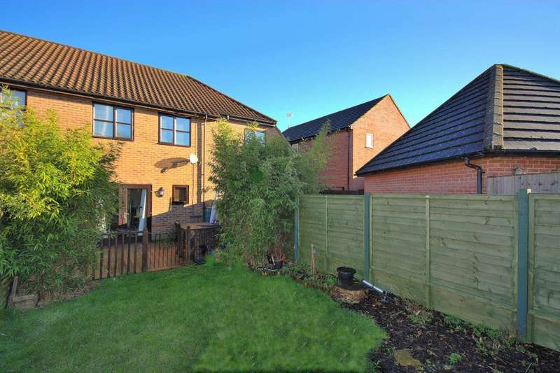 3 Bedrooms Terraced House for sale in Shenley Lodge