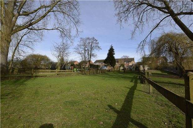 3 Bedrooms Semi Detached House for sale in Mitton, TEWKESBURY, Gloucestershire, GL20 8AD
